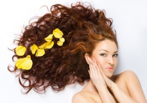 doğal görünen saçlar için ne yapılmalı, daha iiy görünümlü saçlar için tavsiyeler, saç bakım önerileri